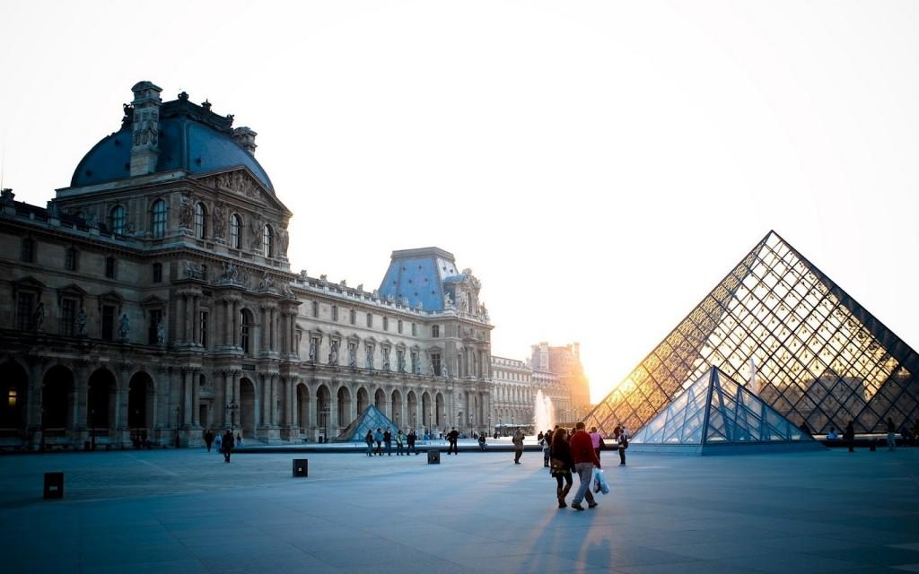 ladyhattan luxury travel blog paris france louvre