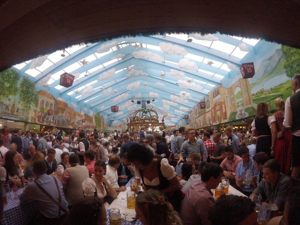 ladyhattan manhattan rooftop nyc party luxury events travel blog munich germany octoberfest