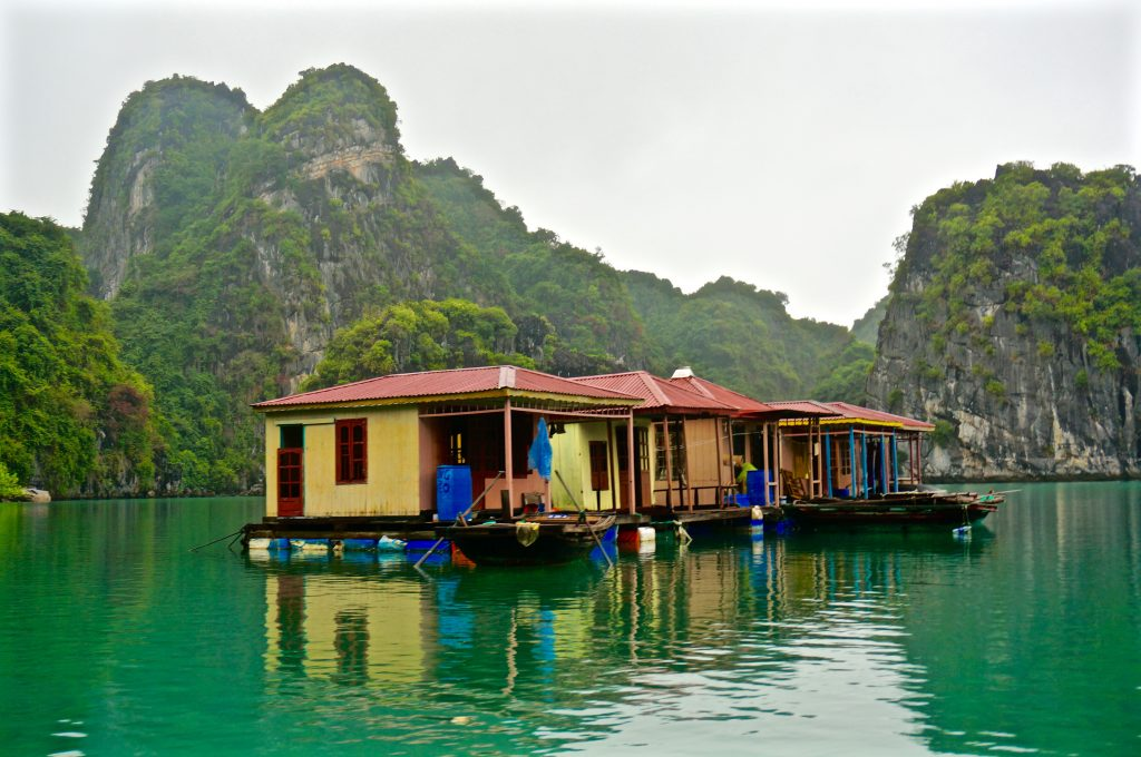 ladyhattan luxury travel blog vietnam halong bay indochinajunk