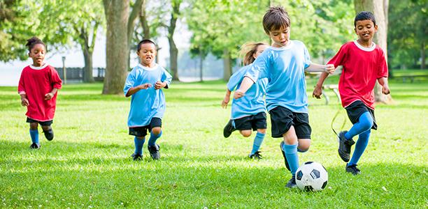 five reasons kids should play sports outside backyard sportsPlaying #6