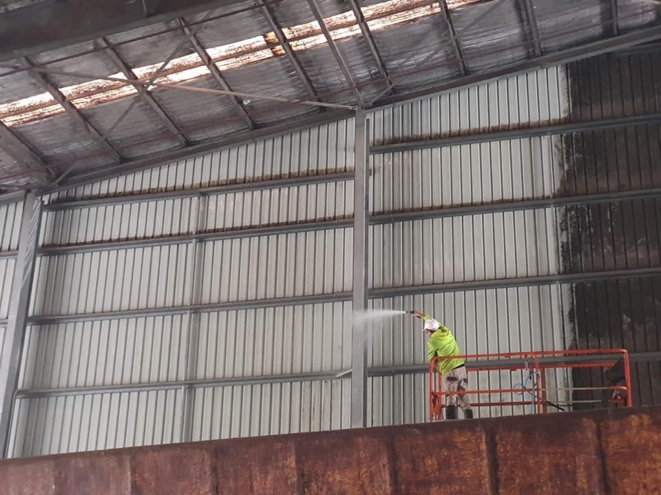 Large shed wall washing