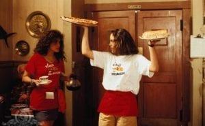 julia roberts annabeth gish mystic pizza