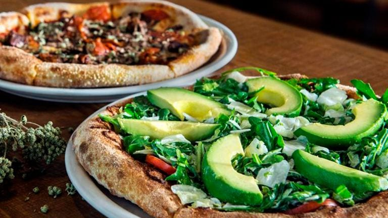 new york vs california pizza marriage story