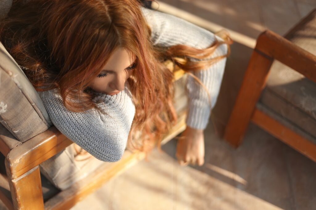 Symptoms of low-fiber diet include fatigue and hormone issues. Fiber helps restore detox capacity