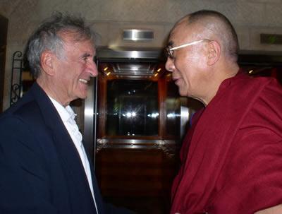 Elie Wiesel greeting His Holiness the Dalai Lama