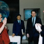 His Holiness the Dalai Lama and US President Bill Clinton [The Office of the Vice President, Washington, DC, April 1993]