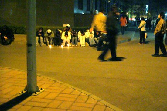 Tibetan students hold vigil