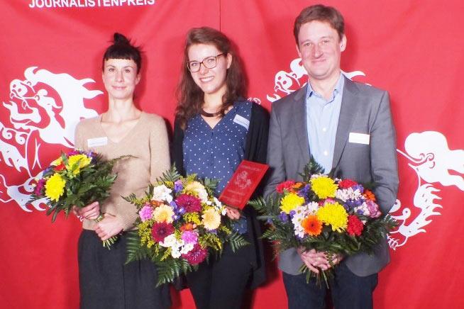 "The recipients of the 2013 ""Snowlion Journalist Award"""