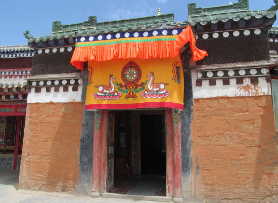 A fresh awning in place along the outer wall of Tsoe monastery the week before the Kalachakra teachings.