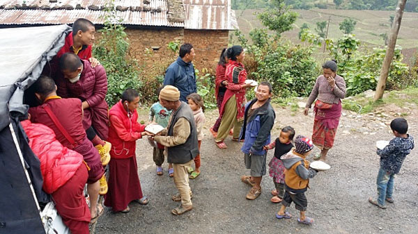 Monks from Benchen monastery