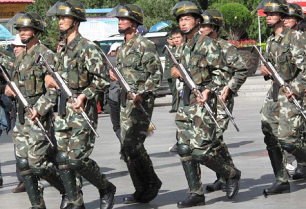 Chinese troops in Tibet