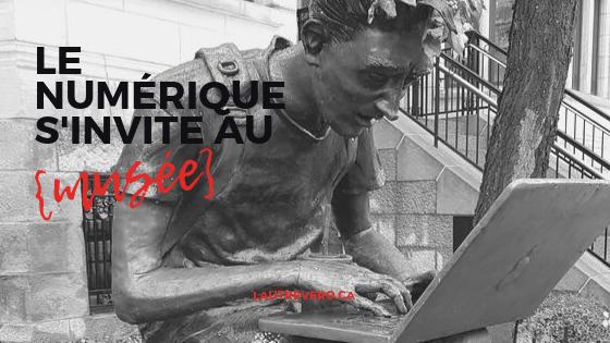 statue homme ordinateur noir et blanc