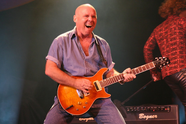 Ronnie Montrose Dead at 64