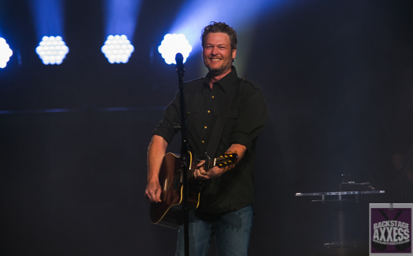 Blake Shelton @ First Niagara Center, Buffalo, NY 3-17-16