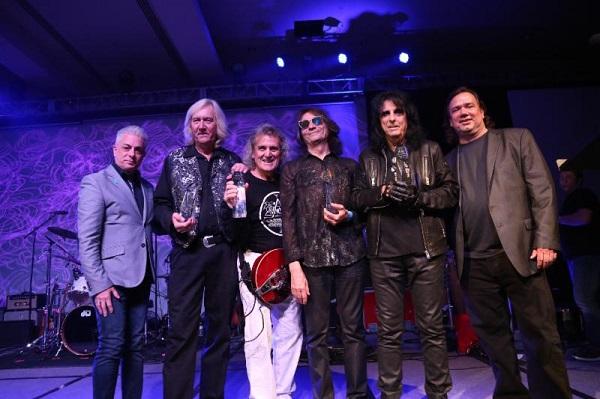 Alice Cooper Reunites Original Band – Announces New Single