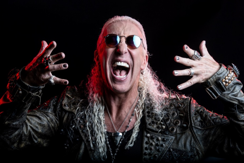"""DEE SNIDER Releases Video For """"Lies Are A Business"""""""