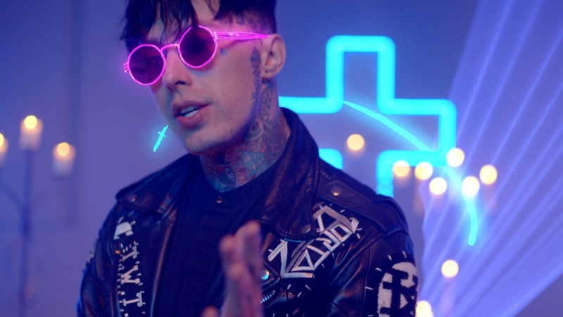 "FALLING IN REVERSE RELEASE NEW SONG + VIDEO ""DRUGS"" FEATURING SLIPKNOT'S COREY TAYLOR"