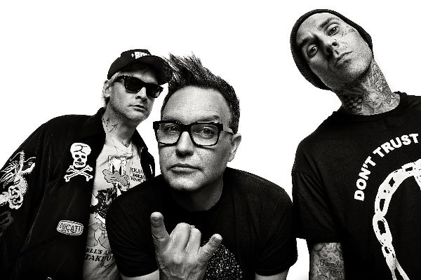 "BLINK-182 PREMIERE NEW SINGLE  ""BLAME IT ON MY YOUTH"""