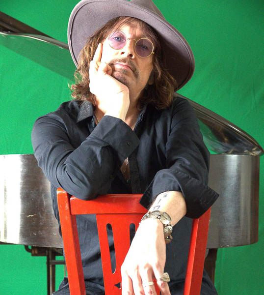 DONNIE VIE RETURNS WITH NEW SOLO SET, 'BEAUTIFUL THINGS'