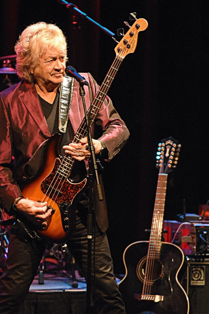 """THE MOODY BLUES' JOHN LODGE TO BRING HIS """"10,000 LIGHT YEARS"""" SOLO CONCERT TO THE """"ROCK & ROMANCE"""" CRUISE"""