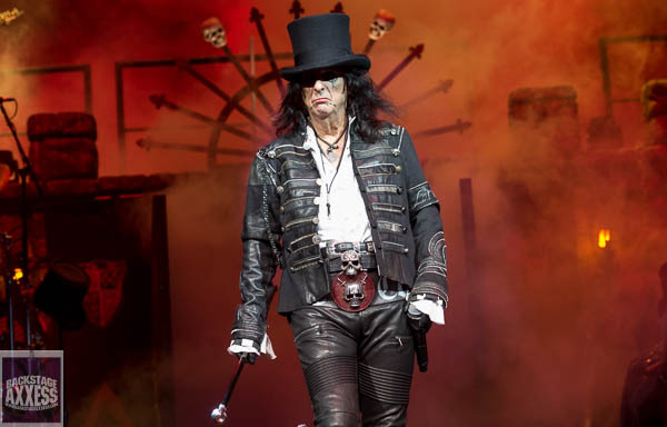 Alice Cooper, Halestorm and Motionless in White @ CMAC Canandaigua, NY 8-7-19