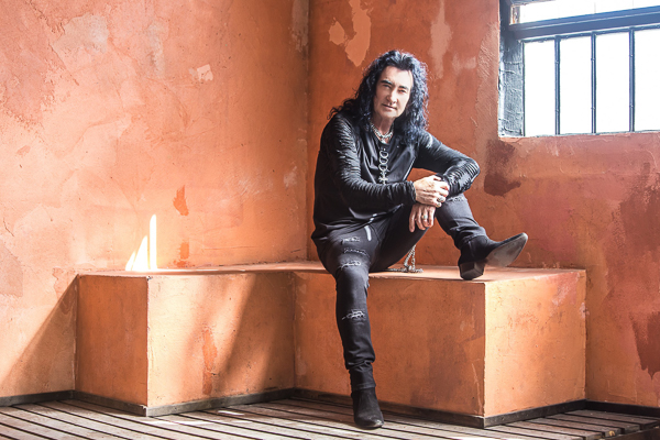Robin McAuley (Black Swan) Interview