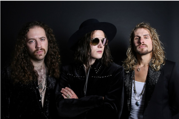 "TYLER BRYANT & THE SHAKEDOWN DROP LYRIC VIDEO FOR ""HOLDIN' MY BREATH"" — WATCH + LISTEN"