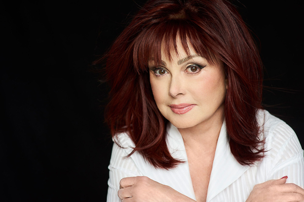 NAOMI JUDD TO PRESENT DURING THE AMERICAN HUMANE HERO DOG AWARDS