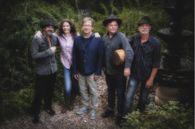 EDIE BRICKELL & NEW BOHEMIANS' NEW ALBUM HUNTER AND THE DOG STAR OUT FEBRUARY 19