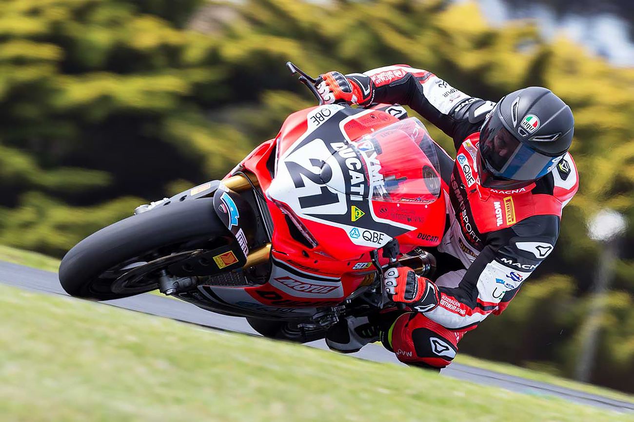 Troy Bayliss heads through Lukey Heights at Phillip Island 2018