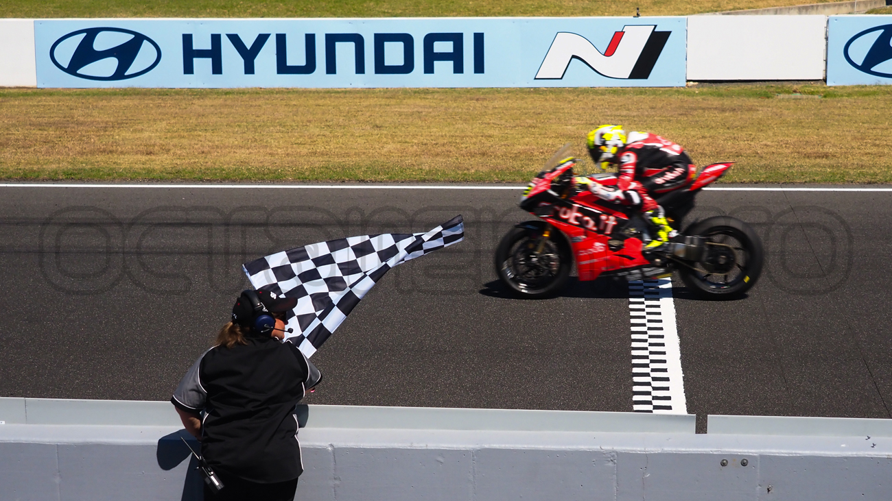 Alvaro Bautista takes the Race 2 win, Phillip Island 2019