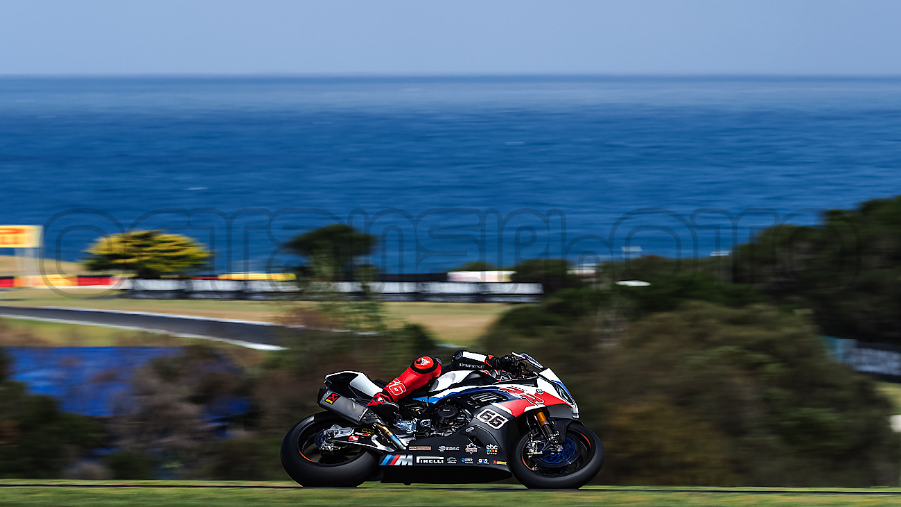 Tom Sykes heads down into MG during Superbike Testing, Phillip Island 2019
