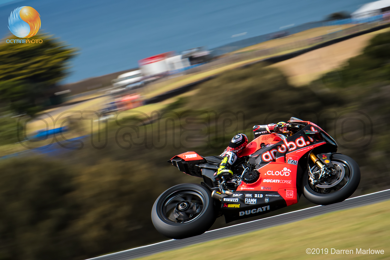 Álvaro Bautista heads down Lukey Heights, Phillip Island WSBK 2019