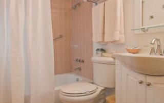 Falun House bathroom