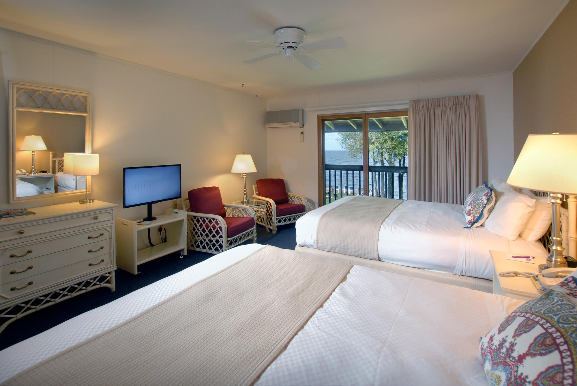 Interior of room at Shoreside motel