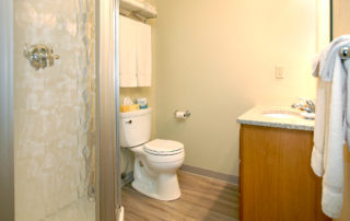 Woodview rooms bright and clean bathroom