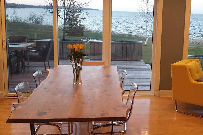 solidwood-oak-dining-table