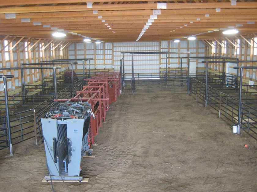 New Custom working facility with Silencer Hydraulic chute with scale and daniels alleyway.