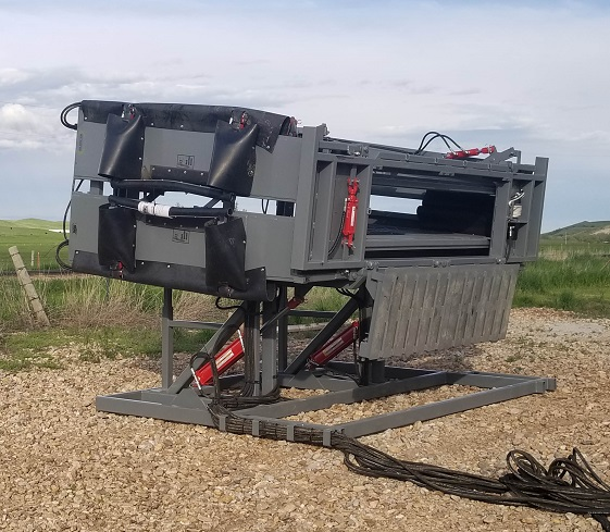 SILENCER MAXX Hydraulic Chute with Tilt Option