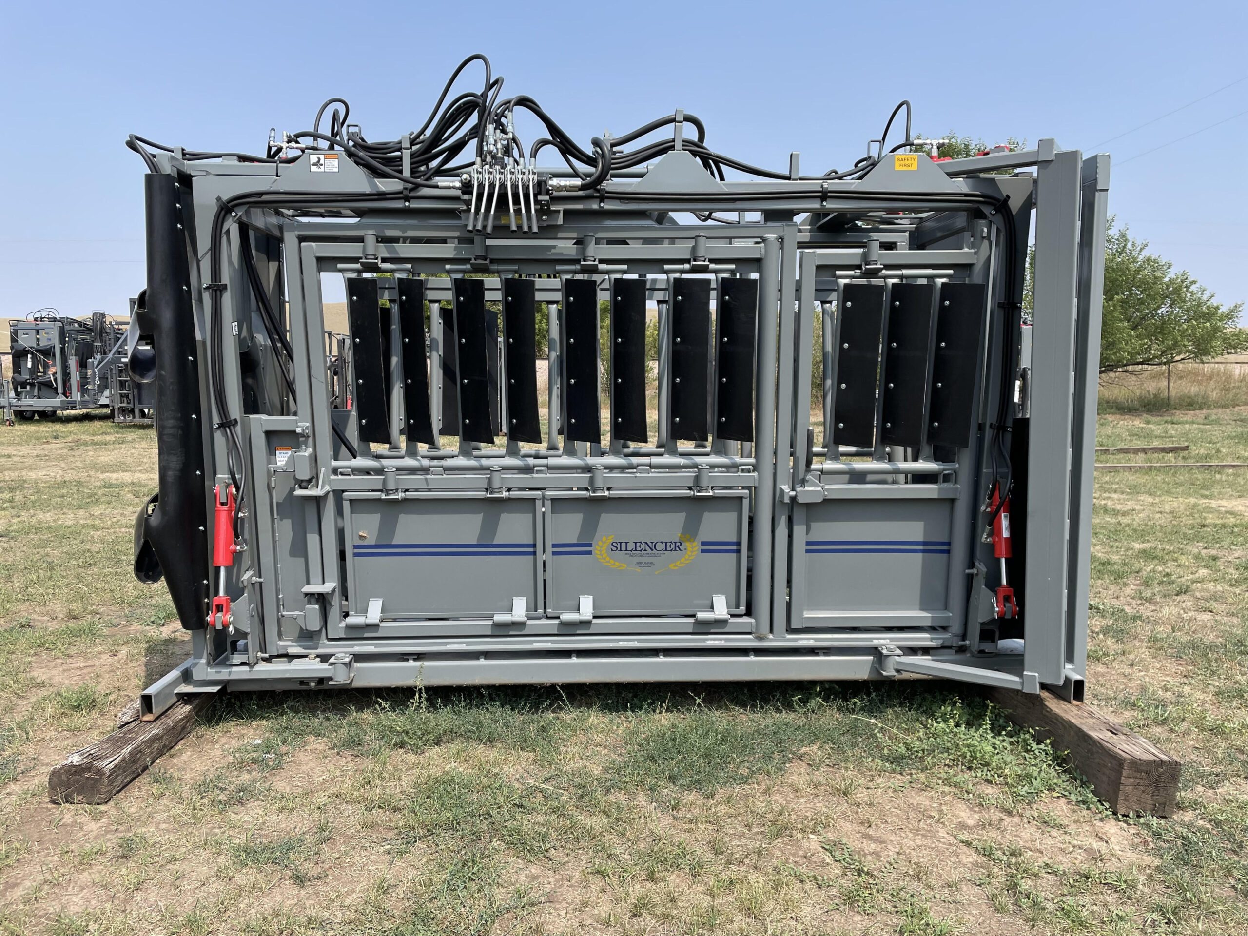 WB Extended Length Ranch Model Chute with Side Exit