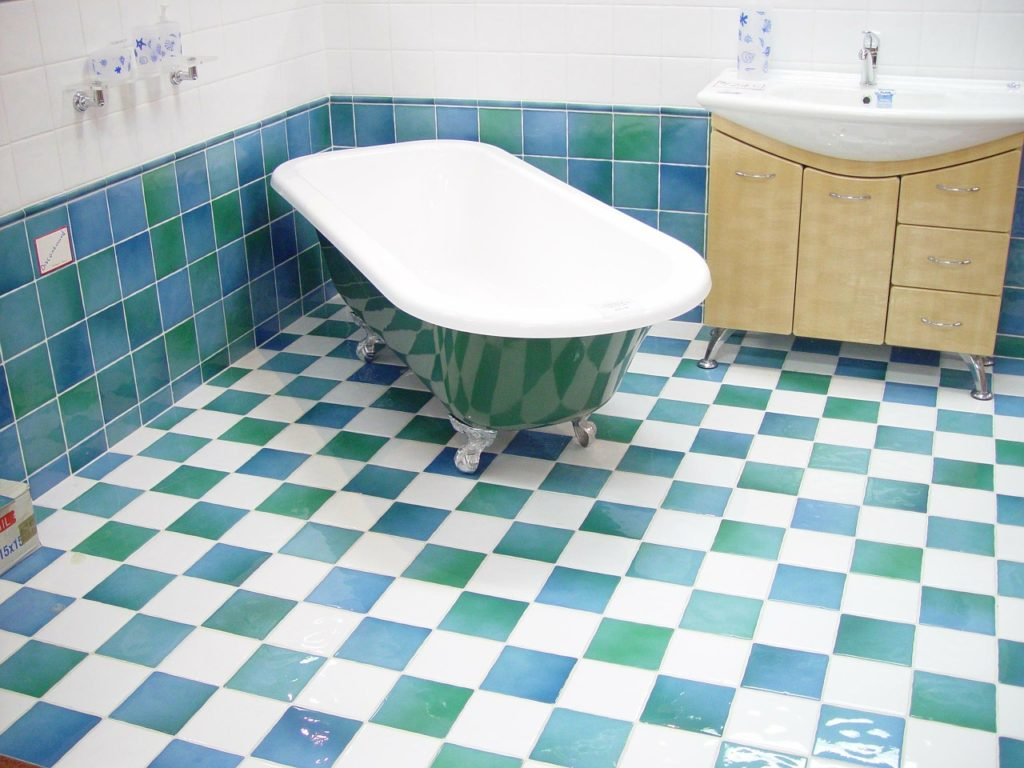 Remodeling Tips Refinished Bathtub