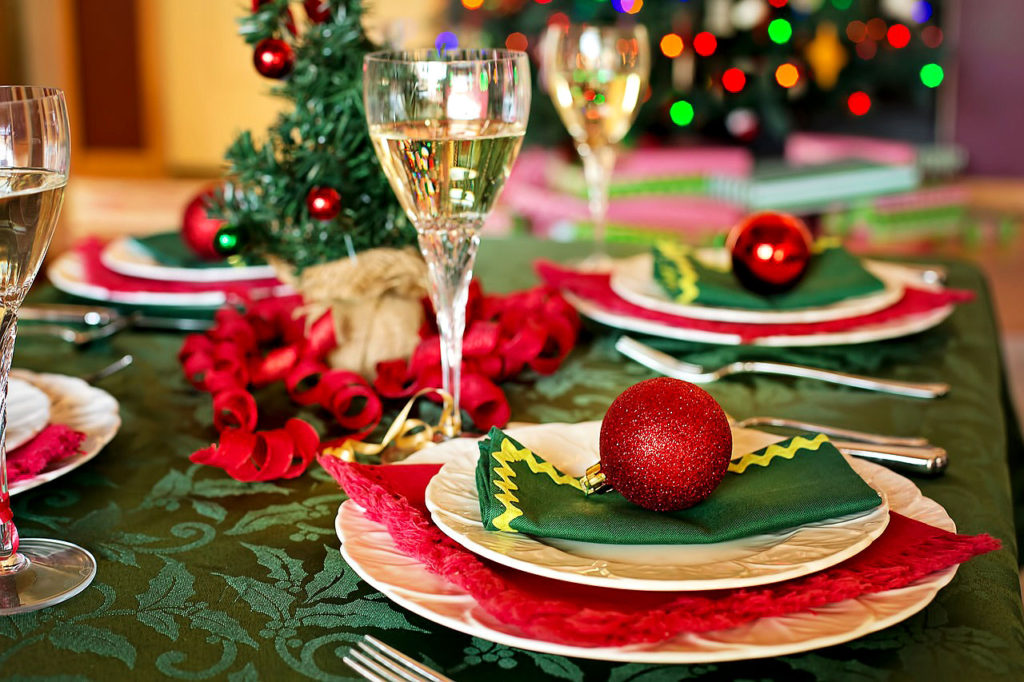 Traditional Red & Green Table Setting