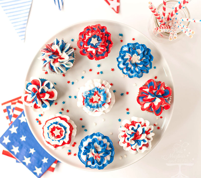 Fourth of July Bunting & Rosettes Cupcakes