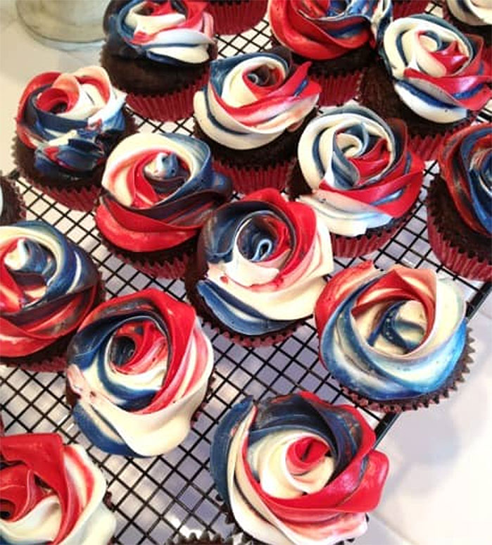Red White and Blue Roses Cupcakes