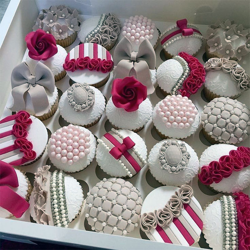 All the Pretty Things Cupcakes