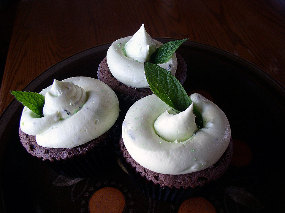 Chocolate Cupcakes with Mint Infused White Icing