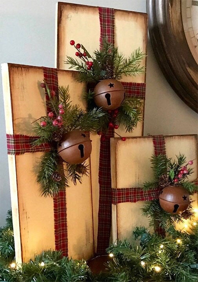 Christmas Present Wrapped Wood | DIY Christmas Decorations