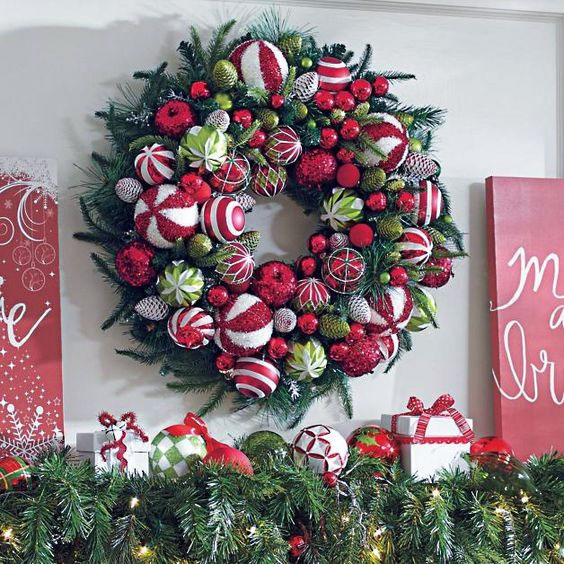 DIY Red, White & Green Christmas Wreath