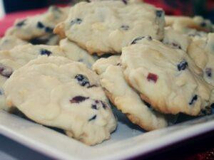 Cranberry White Chocolate Christmas Shortbread Cookies