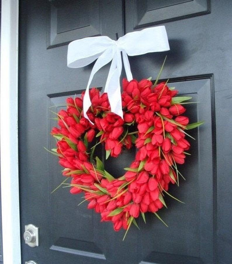 Tulip Valentine's Day Heart Wreath